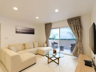 Remolded 2 Bedroom with a Pool - West Hollywood vacation rentals