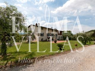 Perfect Villa with Internet Access and A/C - Lucca vacation rentals