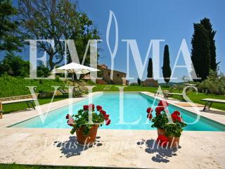 Rustic Tuscan Farmhouse at Podere Pisinano - Montepulciano vacation rentals