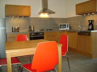 Stylish two bedroom ( maindoor ) apartment - Narbonne vacation rentals