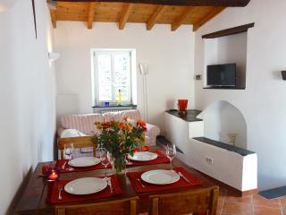Belle Maison de Village à Montalto, 12km de la mer - Montalto Ligure vacation rentals