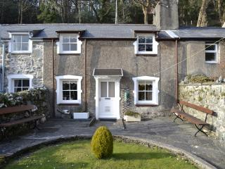 Ivy Cottage at Tremadog ideal base for Snowdonia. - Tremadog vacation rentals