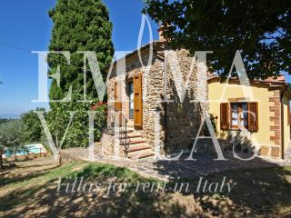 Perfect 2 bedroom Villa in Siena with Internet Access - Siena vacation rentals