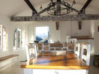 Magnifique Maison de village vue imprenable vallée - Montalto Ligure vacation rentals