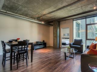HOT 2br downtown LA across from Staples Center! - Los Angeles vacation rentals