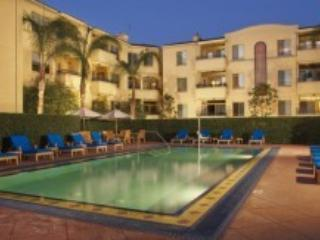 Luxury 2br at UCLA in Westwood Village - Westwood  Los Angeles County vacation rentals