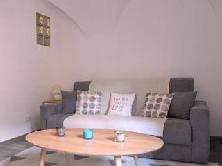 Superbe studio centre Badalucco 10 km de la mer - Badalucco vacation rentals
