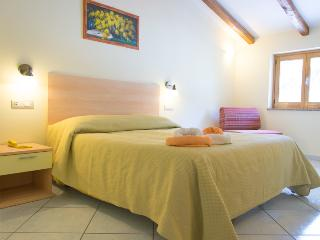 Minihotel IRIS - Camera SUPERIOR - Maiori vacation rentals
