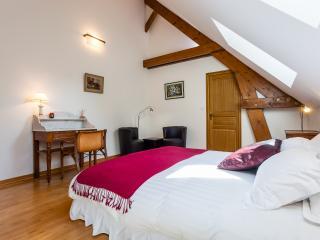 Chambre Double - Salle de bain privée - Lit Queensize - Saint-Ouen-sur-Morin vacation rentals