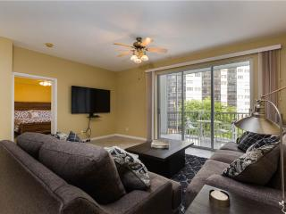 Casa Marina II 353, 2 Bedroom, Canal Front, Elevator, Heated Pool, Sleeps 4 - Fort Myers Beach vacation rentals