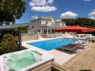Spacious 4 bedroom Villa in Quinta do Lago with Dishwasher - Quinta do Lago vacation rentals