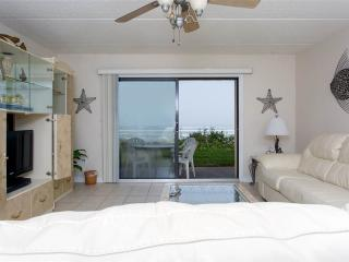 Summerhouse 163, 2 Bedrooms, Ocean Front, 4 Heated Pools, WiFi, Sleeps 4 - Crescent Beach vacation rentals