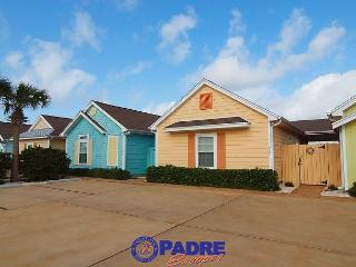 La Casita Tortuga is a cozy, colorful Beach Bungalow in a great location! - Corpus Christi vacation rentals