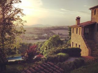 Case di Luce, chic villa, stunning views - Montone vacation rentals