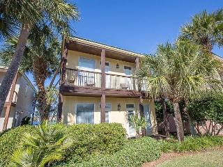 30% Off 4 Nights or More Sept-Jan! Great  2 Bed 2 Bath lake view! - Destin vacation rentals