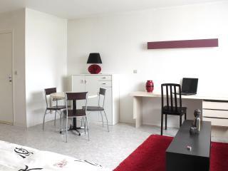 1 bedroom Condo with Television in Caen - Caen vacation rentals