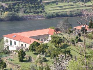 Nice Condo with Television and Water Views - Espadanedo vacation rentals