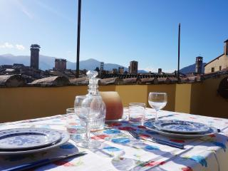Penthouse in center with terrace and beautiful view!!! - Lucca vacation rentals