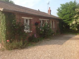 Converted Barn in Cheese and Cider Country - Mesnieres-en-Bray vacation rentals
