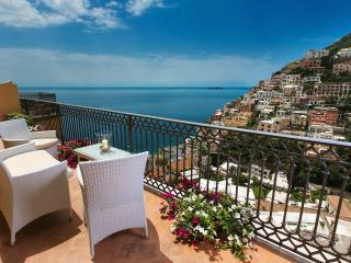 Comfortable Apartment with Internet Access and A/C - Positano vacation rentals