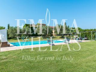 Perfect Villa with Deck and Internet Access - Florence vacation rentals