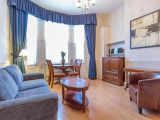 One Bedroom London Apartment - London vacation rentals