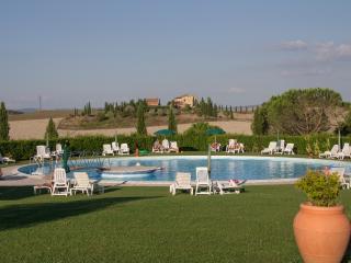 Appartamento Bilocale con piscina vicino Siena - Isola d'Arbia vacation rentals