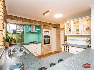 Beautiful 2 bedroom House in Maylands - Maylands vacation rentals
