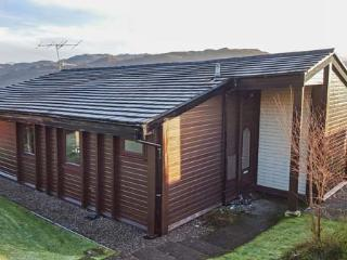 ROISIN DHU, great views, easy access to Skye, Lochcarron, Ref 932285 - Lochcarron vacation rentals
