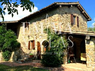Perfect Villa with A/C and Satellite Or Cable TV - Calzolaro vacation rentals