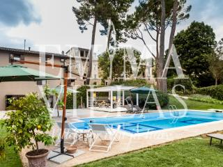 Teloni Borgo 32+13 - Macerata vacation rentals