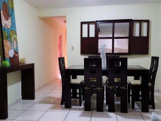 Cozy Condo with Television and Microwave - San Salvador vacation rentals
