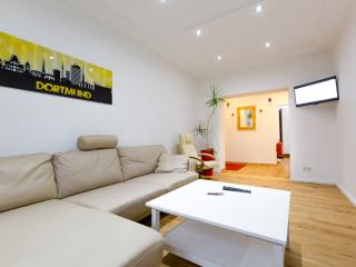 Bright 2 bedroom Dortmund Apartment with Internet Access - Dortmund vacation rentals