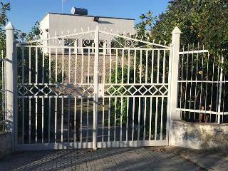Adorable Villa in Molfetta with A/C, sleeps 8 - Molfetta vacation rentals