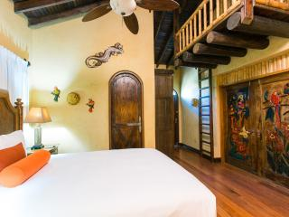 Treat yourself in Caribe Tesoro's Topaz Suite - West Bay vacation rentals