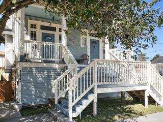 Huge, Double House, 6 bed/4 bath/16 guest, Oak St - New Orleans vacation rentals