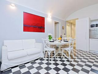 Rome Vacation Rental near Colosseum Roman Forum - Rome vacation rentals