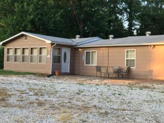 Perfect House with Internet Access and A/C - Springville vacation rentals