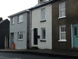 Refurbished cottage beside Wicklow Town harbour - Wicklow vacation rentals