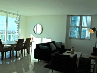 Sensational 3 Bedroom Apartment with Amazing View OB3BR2 - Coconut Grove vacation rentals