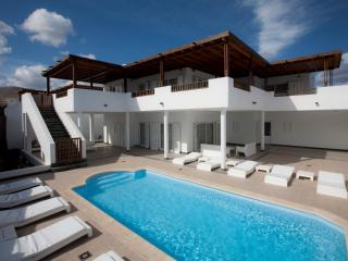 Comfortable Villa with Internet Access and Grill - Puerto Calero vacation rentals