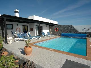 Charming 2 bedroom Playa Blanca Villa with Internet Access - Playa Blanca vacation rentals