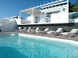 3 bedroom Villa with Internet Access in Puerto Del Carmen - Puerto Del Carmen vacation rentals