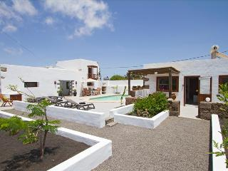 Comfortable Tiagua vacation Apartment with Internet Access - Tiagua vacation rentals