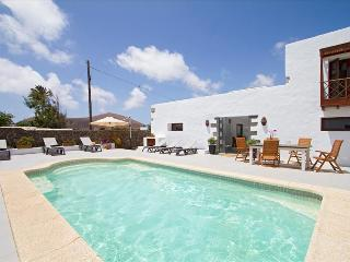 Comfortable Studio with Internet Access and Shared Outdoor Pool - Tiagua vacation rentals
