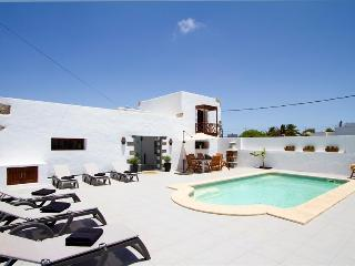 Comfortable Villa with Internet Access and Safe in Tiagua - Tiagua vacation rentals