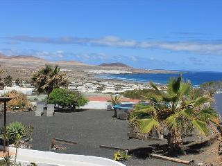Lovely Famara Apartment rental with Internet Access - Famara vacation rentals