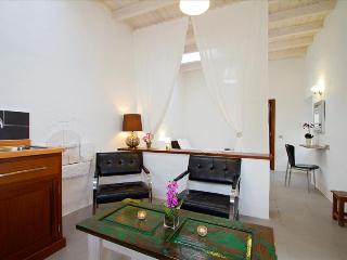 Romantic 1 bedroom House in Tiagua with Internet Access - Tiagua vacation rentals
