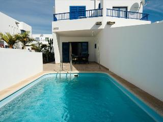 Lovely Villa with Grill and Satellite Or Cable TV in Playa Blanca - Playa Blanca vacation rentals