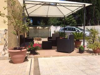 Villa Pea a 300 m dal mare - Fontane Bianche vacation rentals